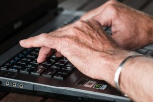 how to become a freelance writer online